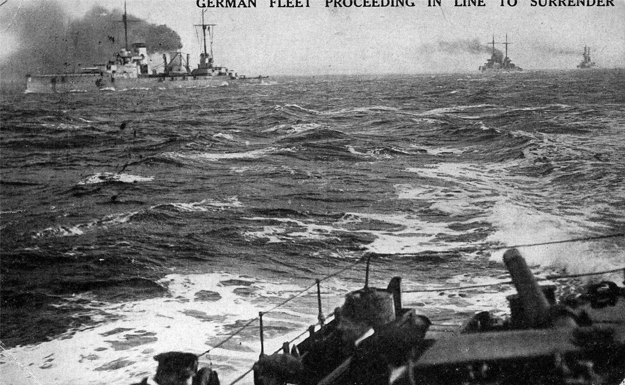 14 18 combat naval ecossais et allemand