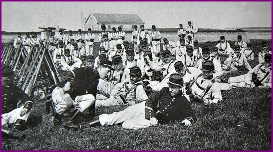 Calais 14 18 8eme regiment d infanterie sur les remparts encadre