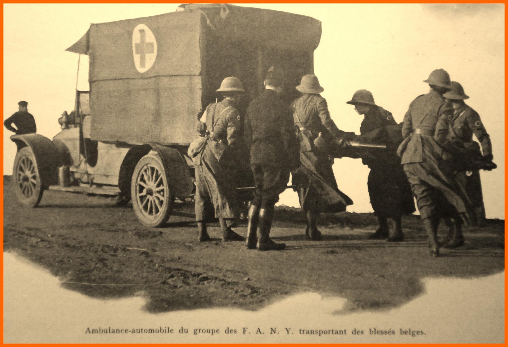 Calais 14 18 ambulance automobile du groupe des fany encadre