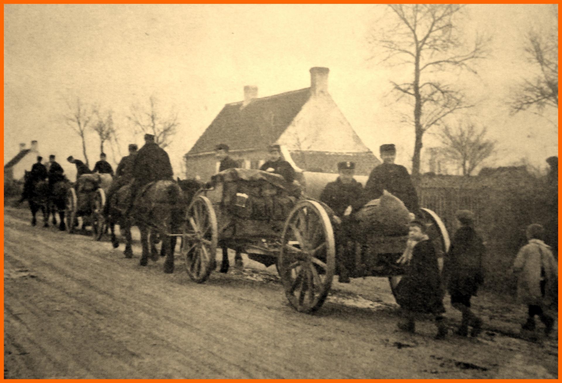 Calais 14 18 artillerie belge en retraite passant au beau marais apres la defense d anvers encadre