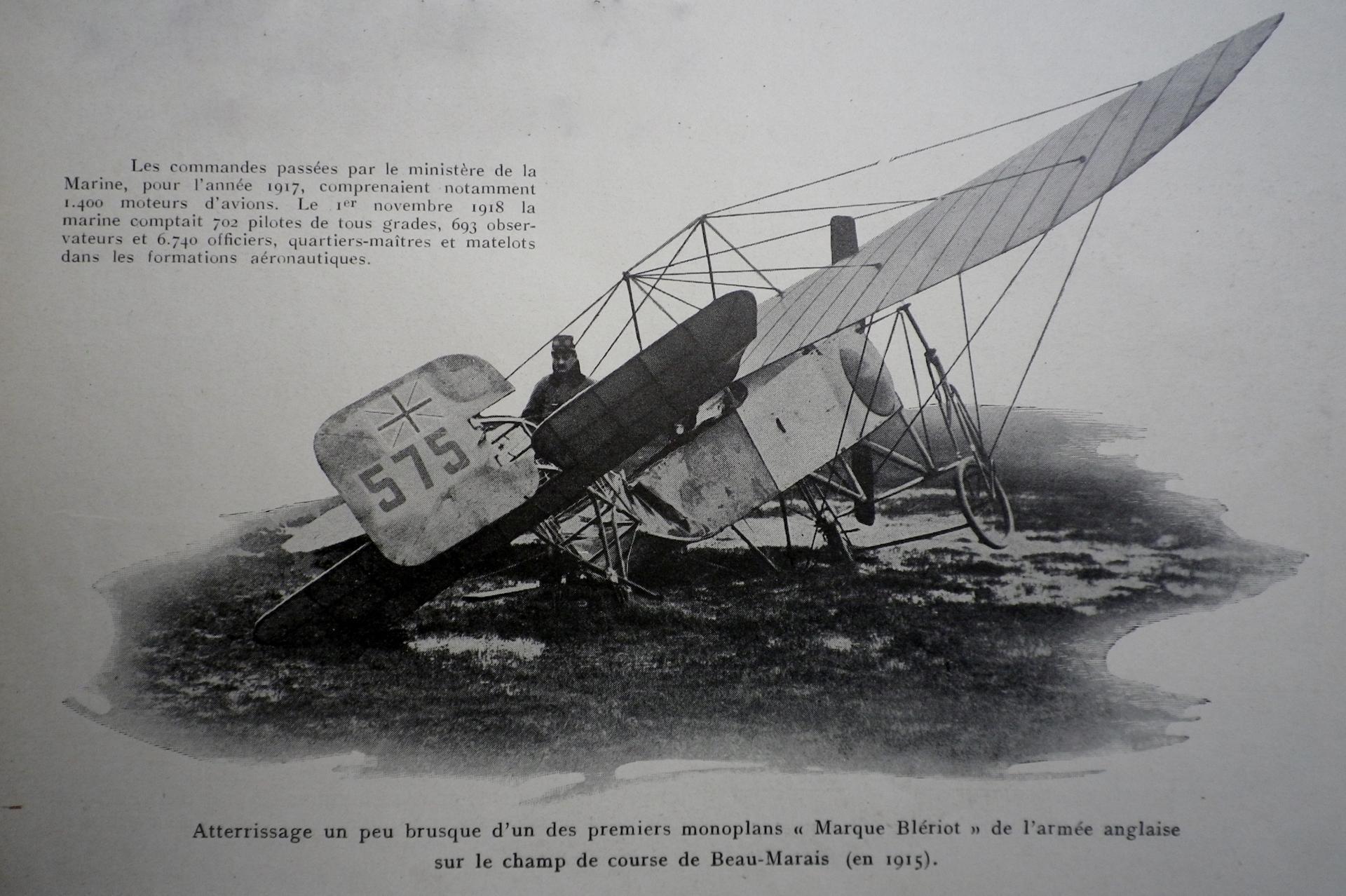 Calais 14 18 atterrissage brusque d un des premiers monoplans marque bleriot de l armee anglaise sur le champ de course du beau marais en 1915