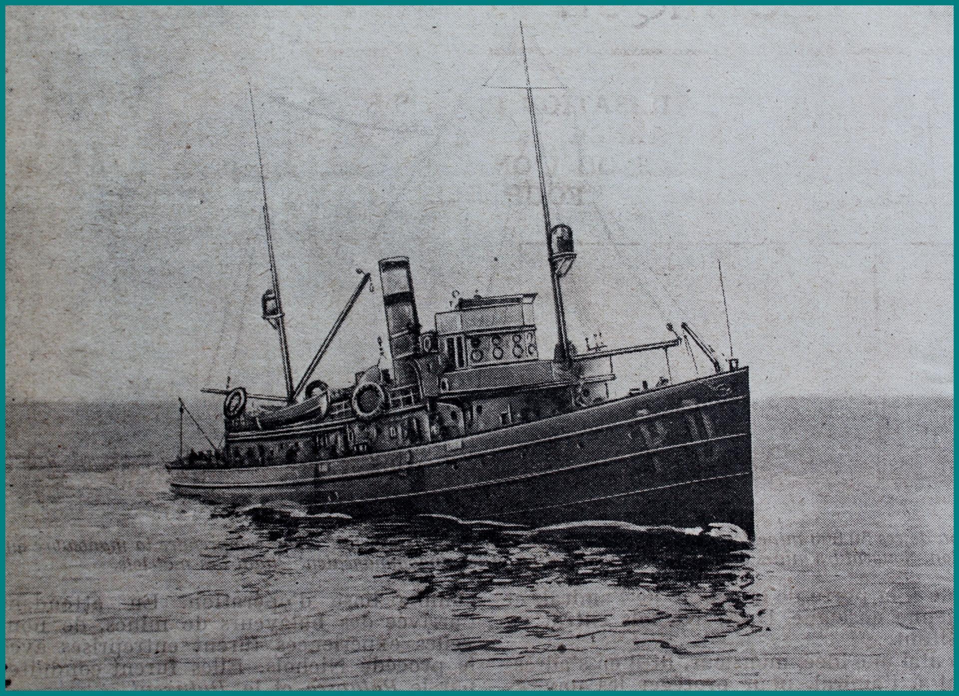 Calais 14 18 bateau utilise pour la destruction des mines sweepers fournis par les etats unis encadre