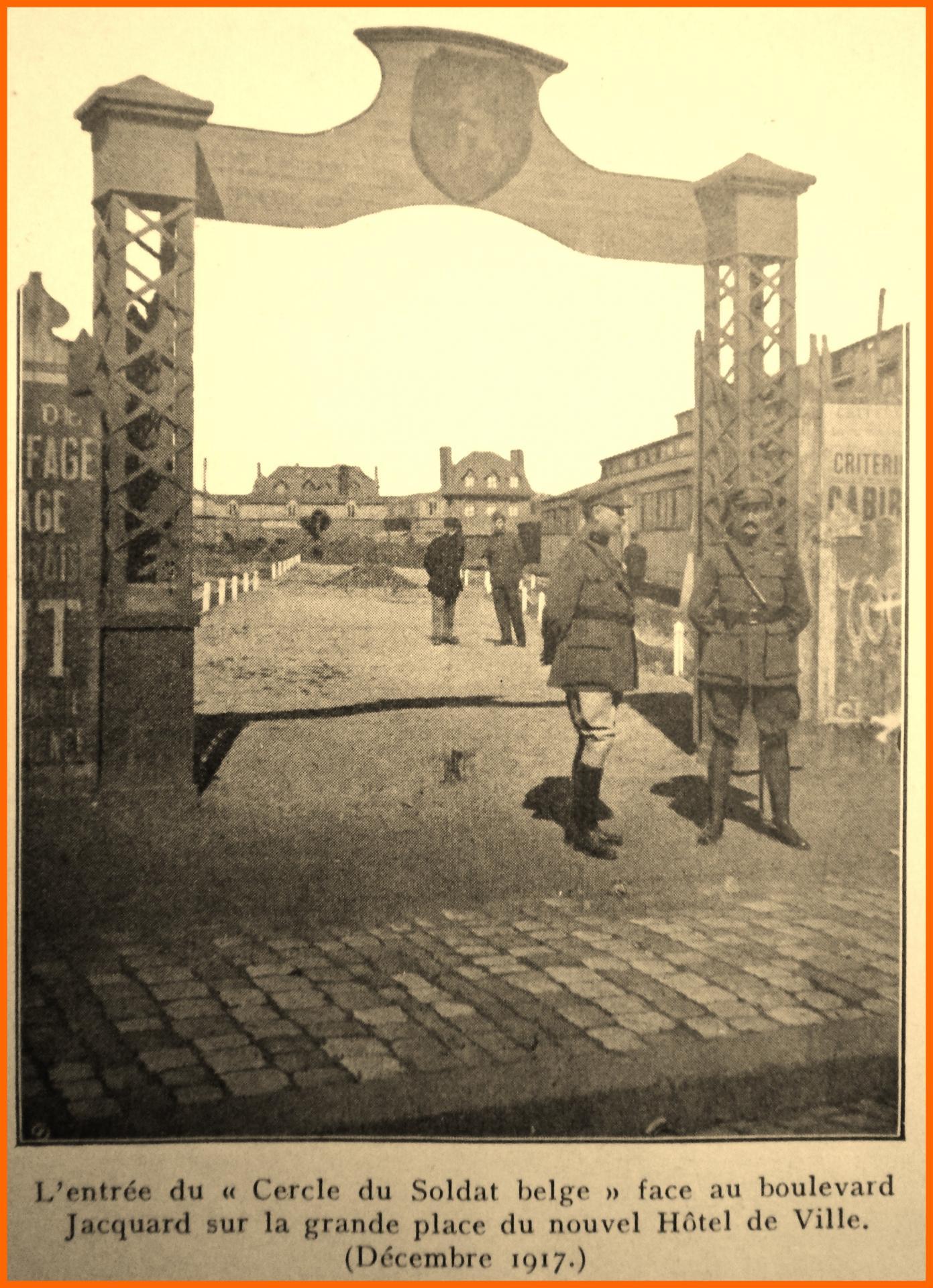 Calais 14 18 cercle du soldat belge bld jacquard sur la grand place de l hotel de ville dec 1917 encadre