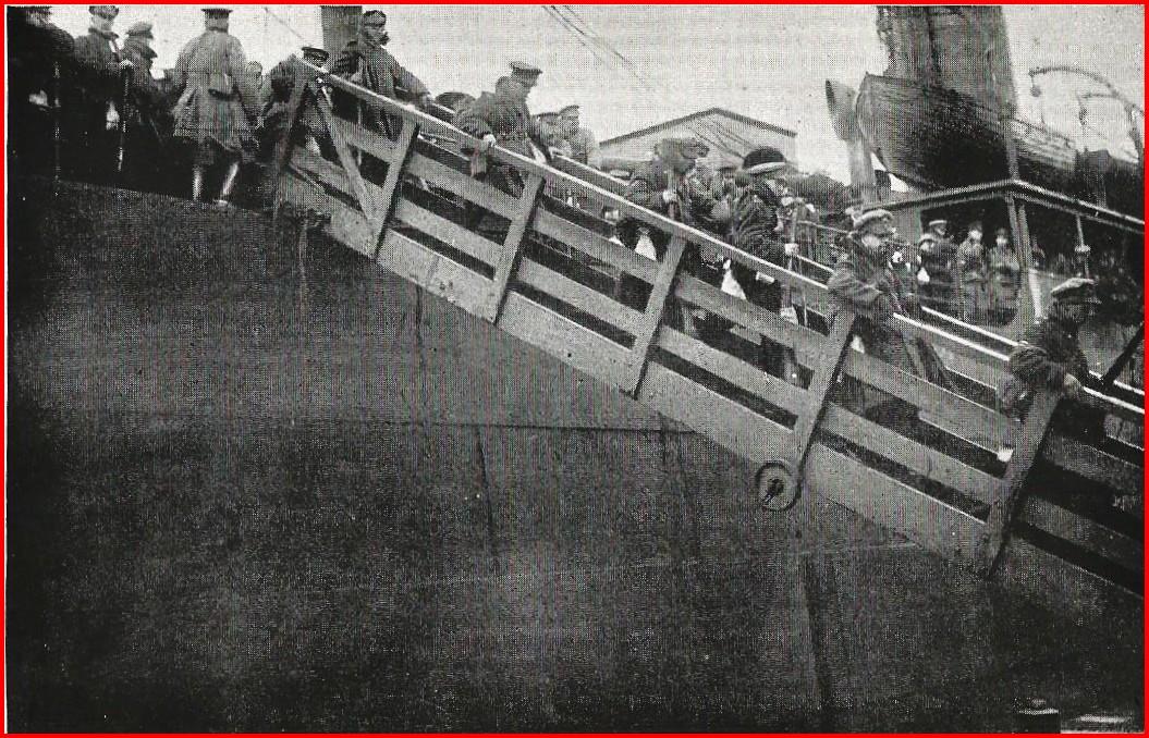 Calais 14 18 debarquement des troupes anglaises encadre