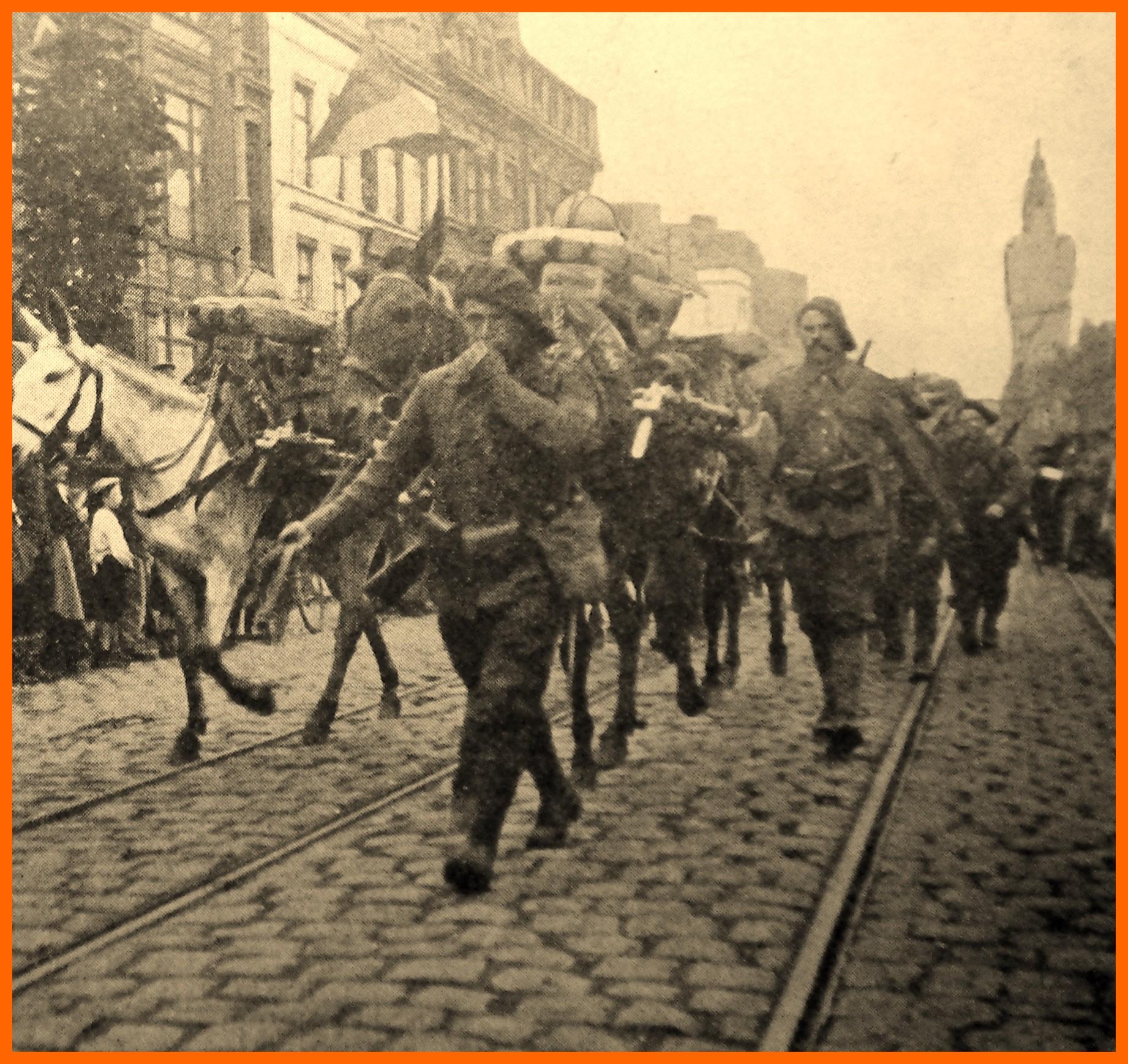 Calais 14 18 defile du 102eme bataillon 13 aout 1917 encadre