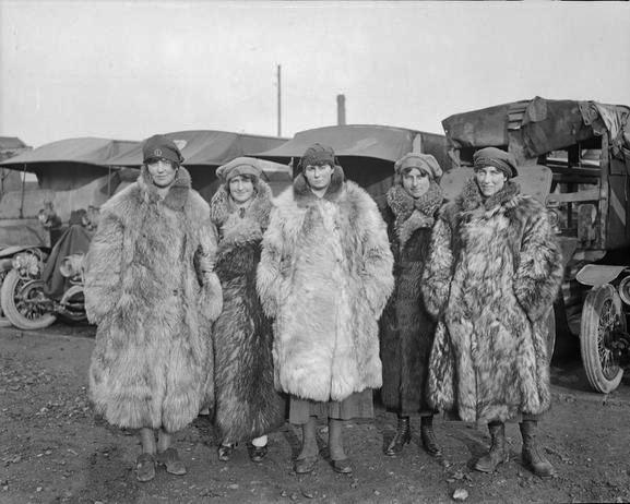Calais 14 18 groupe de conductrices d ambulance fany janvier 1918