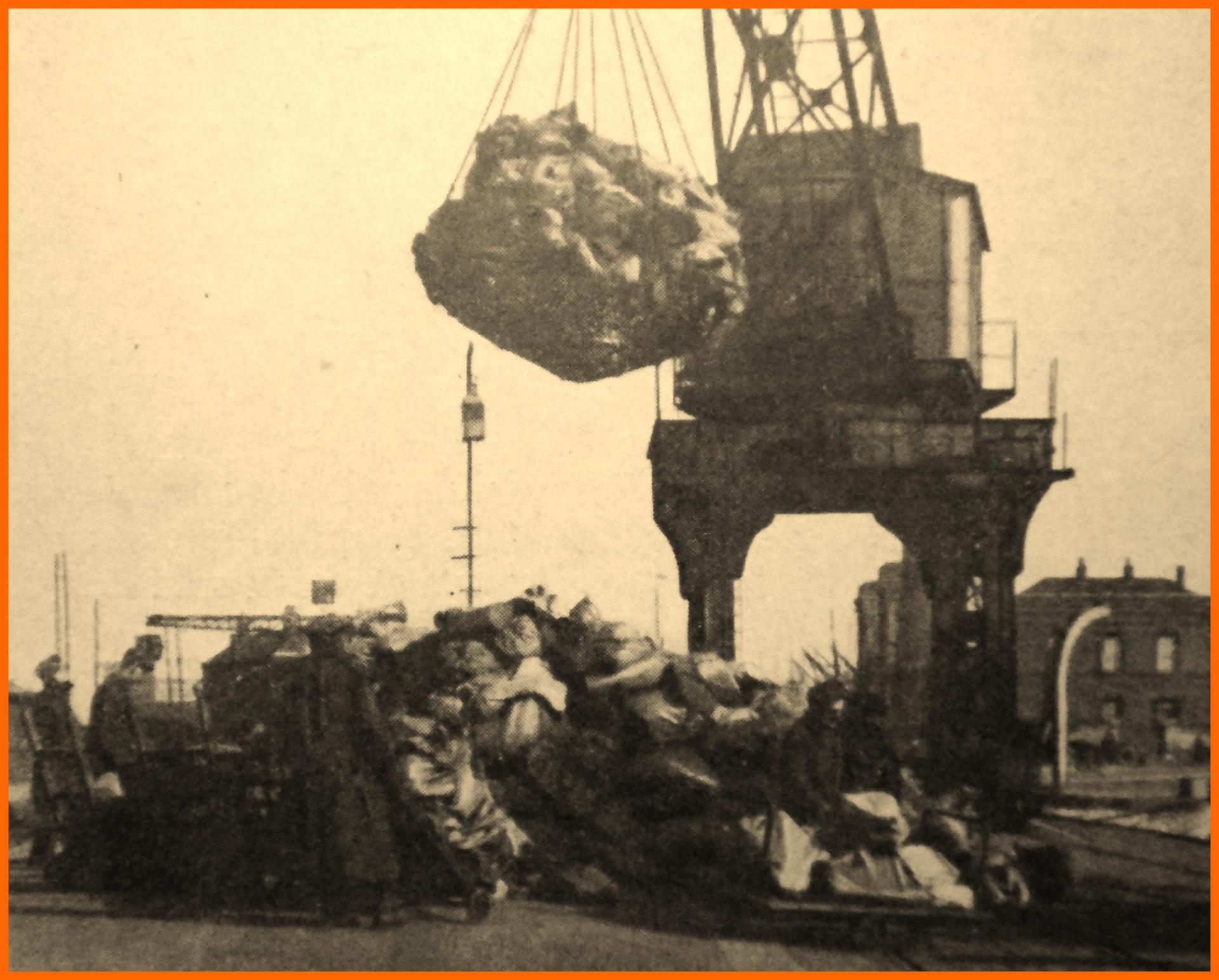 Calais 14 18 l arrivee du courrier pour l armee britanique encadre