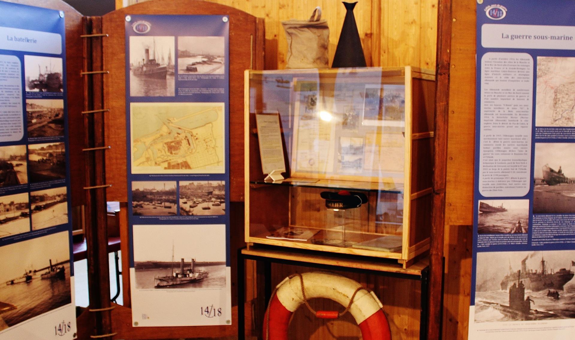 Calais 14 18 la guerre sous marine et la batellerie
