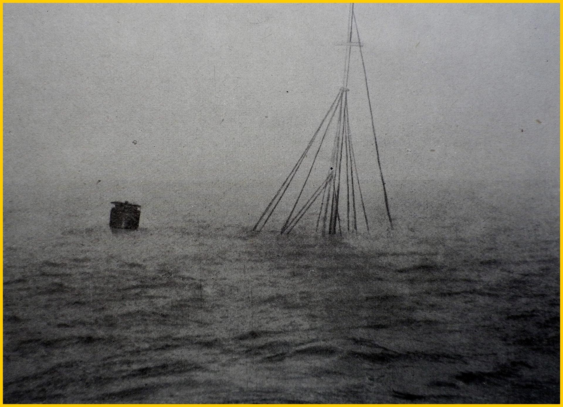 Calais 14 18 le patrouilleur printemps coule en rade de calais le 1er mai 1917 encadre
