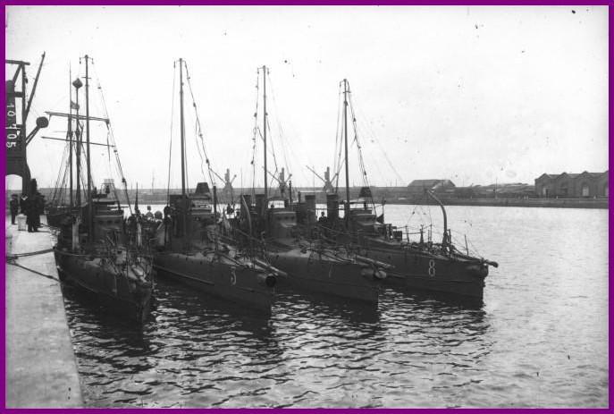 Calais 14 18 les torpilleurs de la defense mobile de calais juin 1910 encadre