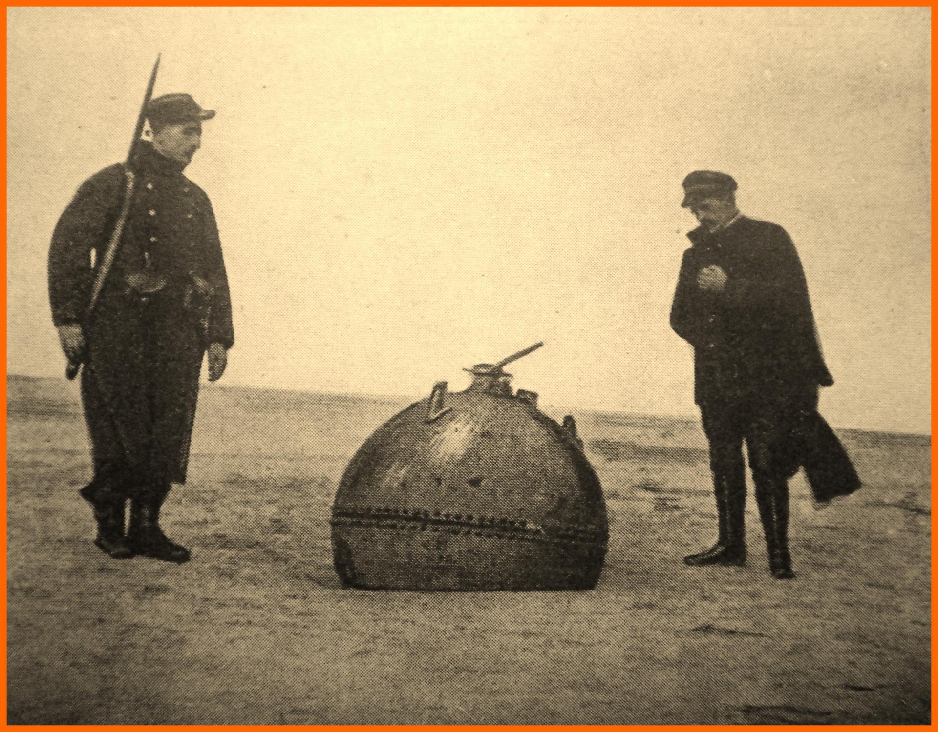 Calais 14 18 mine echouee sur la plage encadre