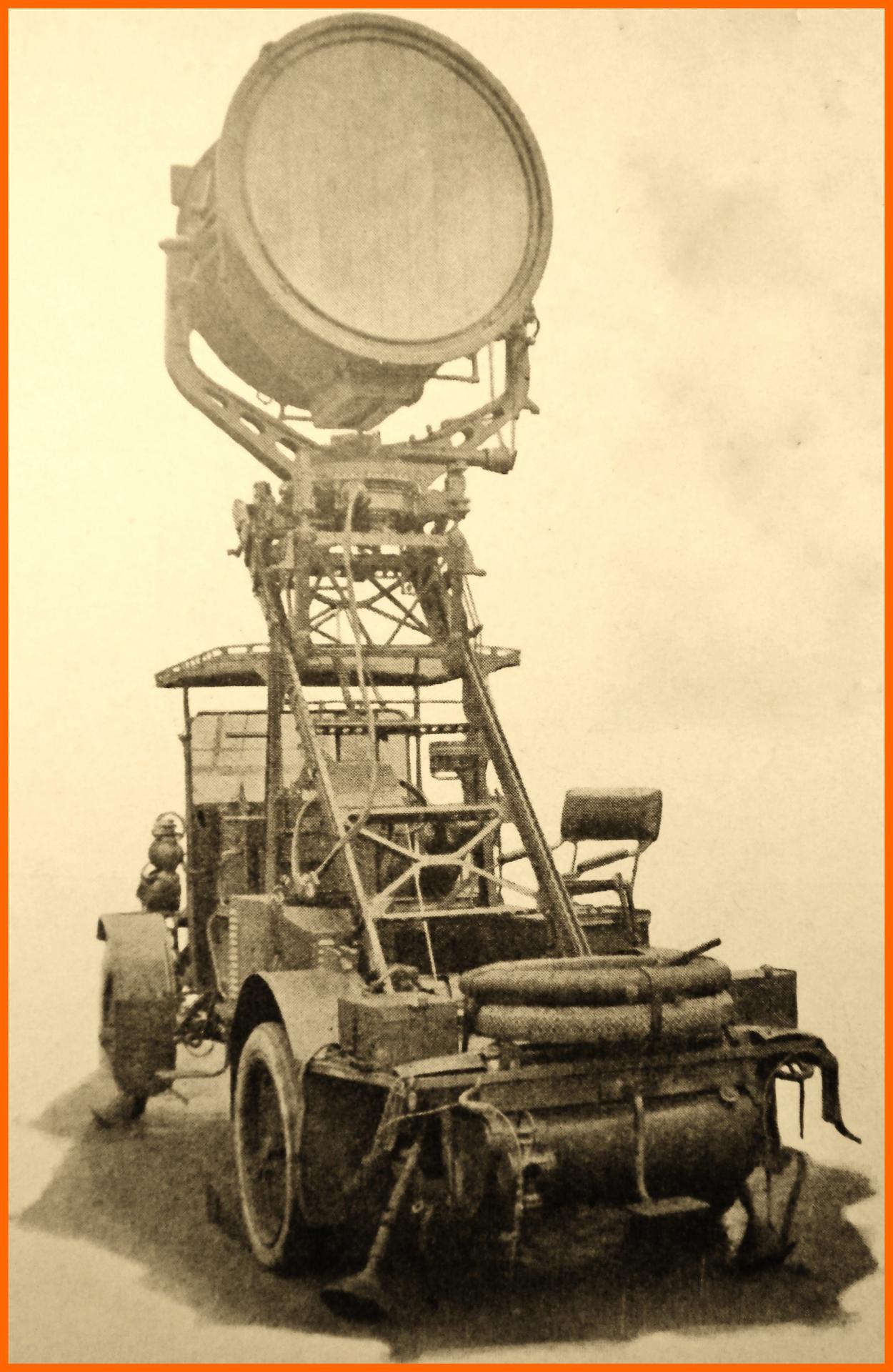 Calais 14 18 projecteur automobile du bastion vi en service de 1917 a 1918 encadre