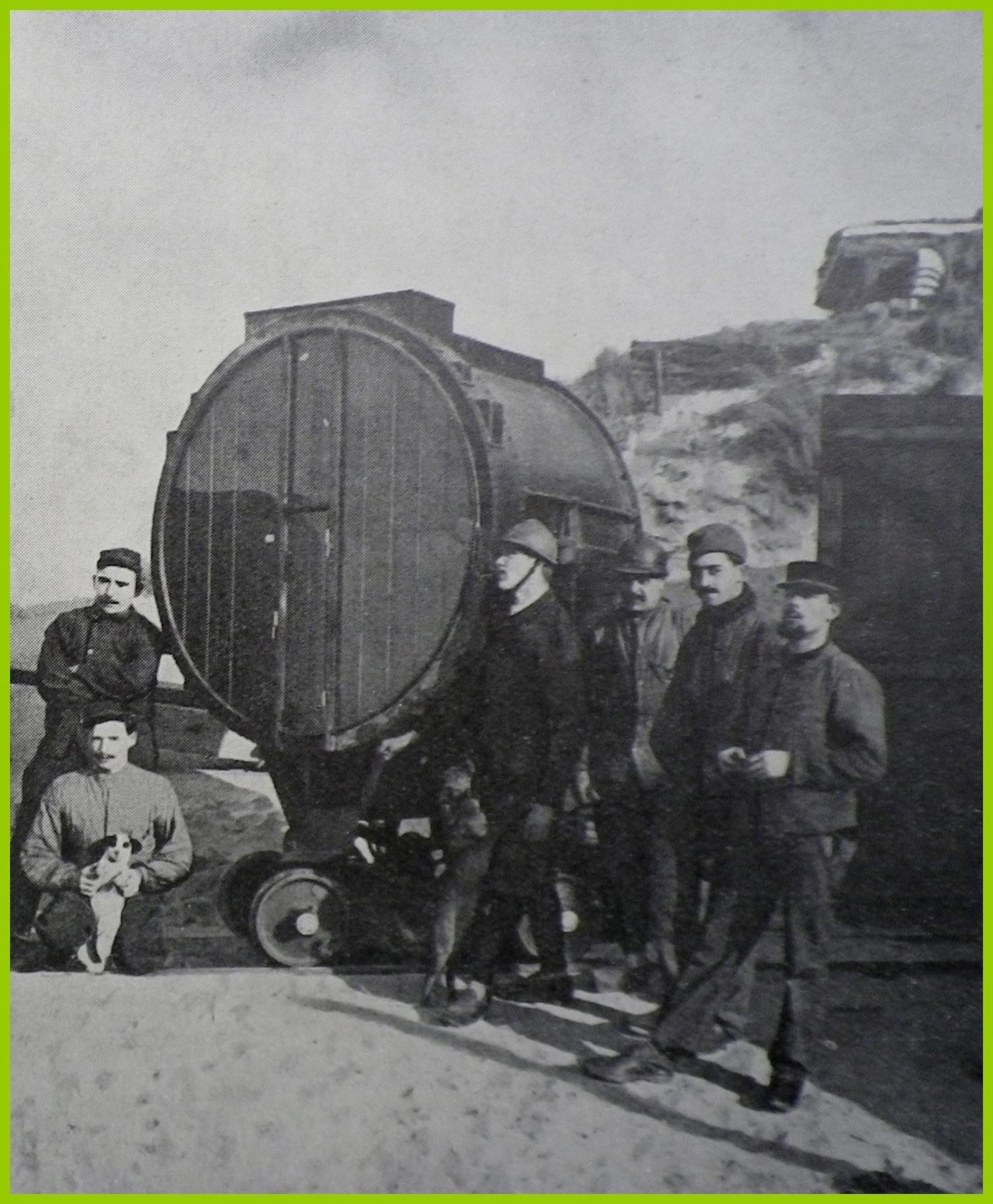 Calais 14 18 projecteur sur le front de mer encadre