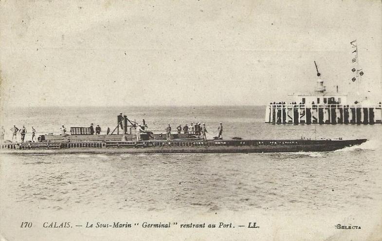 Calais 14 18 sous marin germinal rentrant au port