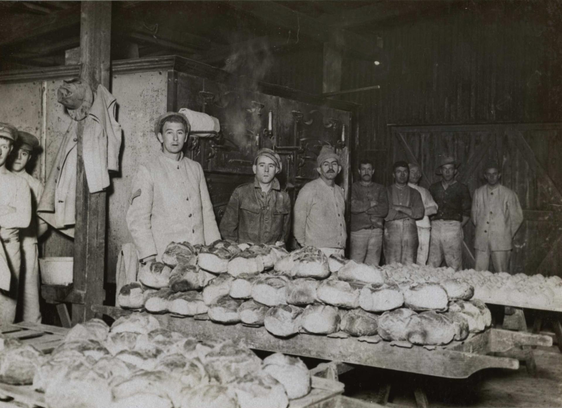 Calais 14 18 une boulangerie militaire britannique en mars 1917