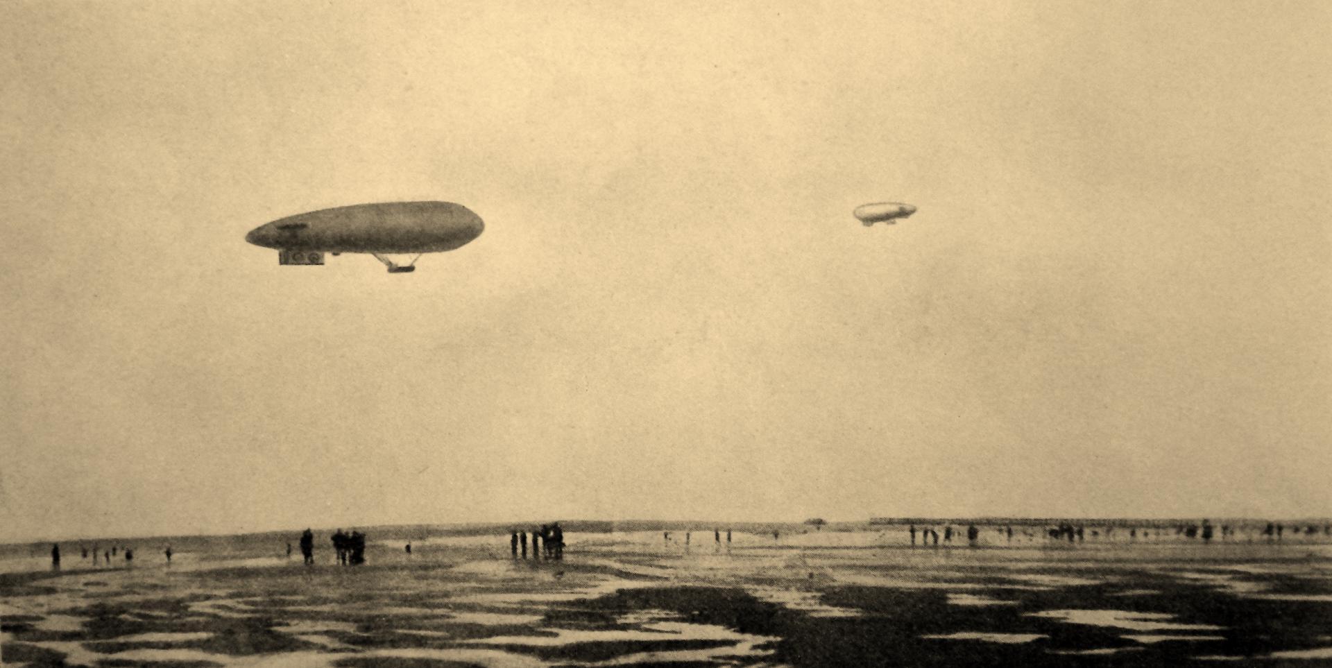 Calais 14 18 vedettes aeriennes du centre de rinxent marquise en patrouille au large du port de calais