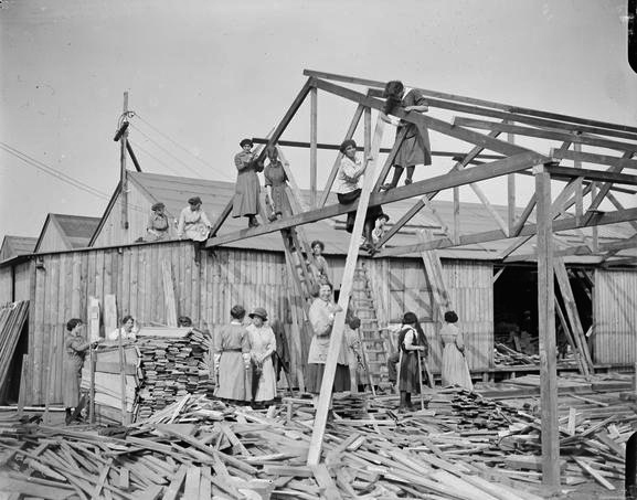 Calais femmes anglaises charpentiers 14 18 pres de calais 26 juin 1918